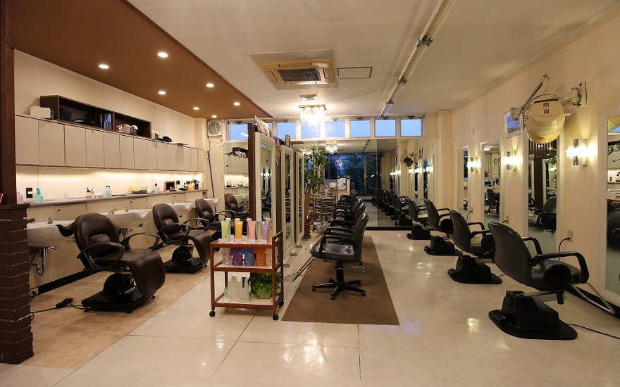 juness_salon2.jpg