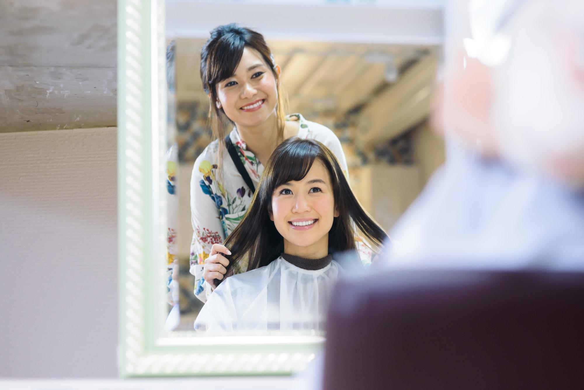 美容師の仕事に役立つ4種類の資格