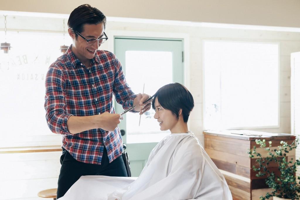 美容師の会話のイメージ