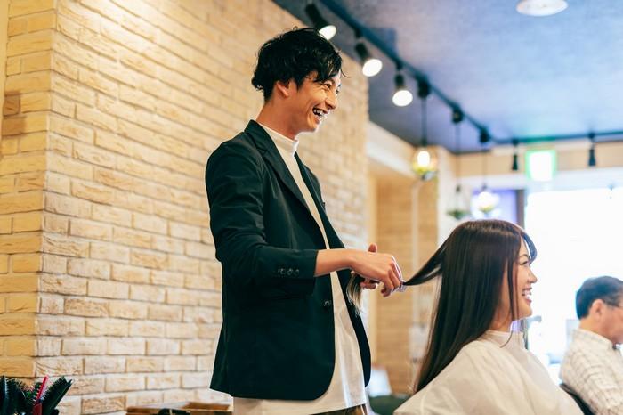 美容師が今日から使える話題!頭に入れておけばいろんなお客さんに対応できる