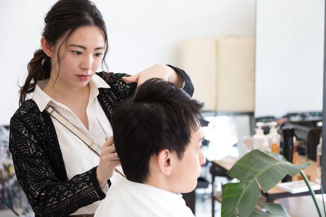 【実際の声あり】美容師をしていて感じるストレス|ストレスとの付き合い方も紹介
